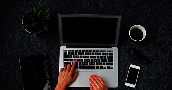 creative-business-woman-working-with-computer-small1